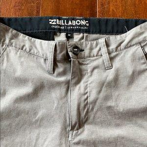 Men's 30 billabong shorts